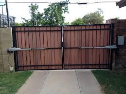 gates rv courtyard