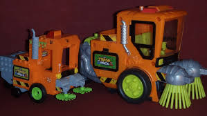 trash pack street sweeper cobi brix james childs