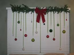 Christmas Decorating Diys Great Christmas Decor For Windows On Decorations With Bay Window