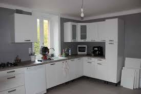 cuisine peinte en gris cuisine peinte en gris la 2017 et peinture murale grise photo