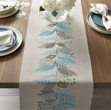 crate and barrel table runner table linen gift registries crates barrels and linens