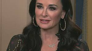kyle richards hair extensions kyle richards says she s really sad over home robbery exclusive