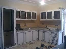 cuisine en aluminium placard de cuisine alas aluminium avec placard cuisine