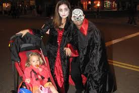 spirit halloween simi valley best places to trick or treat in and around los angeles