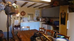 cuisine sarlat nord est de sarlat maison ancienne piscine vue terrain