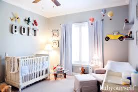 deco chambre garcon voiture les 10 thèmes les plus populaires pour décorer une chambre de bébé