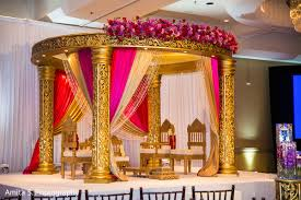 Hindu Wedding Mandap Decorations Mandap In Orlando Fl Indian Fusion Wedding By Amita S