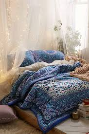 Diy Canopy Bed With Lights Diy String Lights To Decorate Your Rooms Diy Projects
