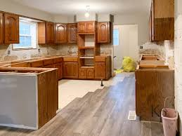 what color paint goes with oak cabinets kitchen cabinets in alabaster painted by payne