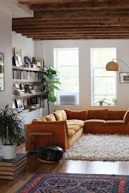 déco canapé la fabrique à déco un canapé orange déco vintage design moderne