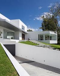diego guayasamin arquitectos design a stunning contemporary home