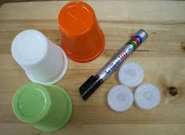 riciclare bicchieri di plastica lanterne di con materiale riciclato unadonna