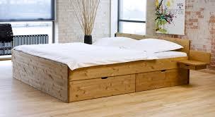 stauraum bett 120x200 schubkasten doppelbett aus buche oder kiefer bett norwegen