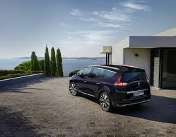 renault spruces up the scenic and grand scenic with initiale paris