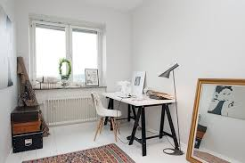 bureau traiteau brico bureau treteau noir portrait hepburn fenetre bureau sur