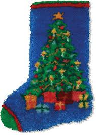 amazon com mcg textiles christmas tree stocking latch hook kit
