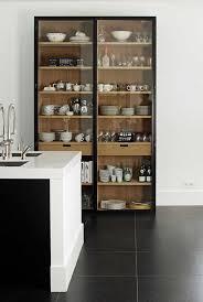 vitrine pour cuisine cuisine avec rangement vitrine salon vitrines