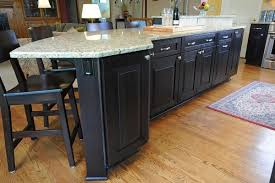 what color cabinets go with venetian gold granite new venetian gold granite grace style and stunning appearance