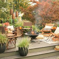 ways to create a carefree and casual outdoor space the soothing blog