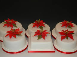 all edible poinsettias with fondant christmas cakes cakecentral com
