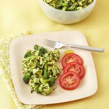 broccoli u0026 tortellini salad with arugula pesto recipe eatingwell
