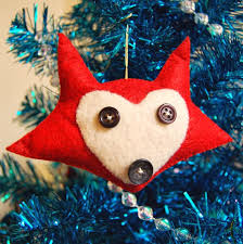the craftinomicon felt fox ornament