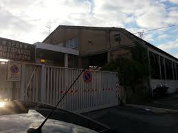giornale porta portese annunci auto usate citt罌 in rovina l autoparco dei vigili a porta portese
