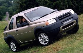 land rover freelander off road land rover freelander softback review 1997 2003 parkers