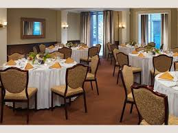 thanksgiving dinner northern virginia dine out on thanksgiving day at these 20 maine restaurants