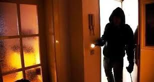 rapina in ultim ora fiuggi rapina in villa tre malviventi picchiano il