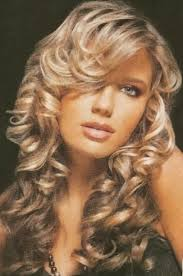 cool prom hairstyles for long hair down curly
