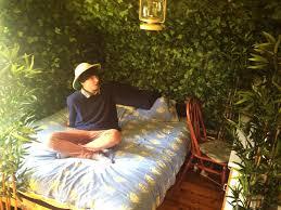 plantes dans une chambre une chambre décorée avec des plantes vertes