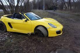 yellow porsche boxster neblaivus vairuotojas vilniuje sudaužė brangų sportinį u201eporsche