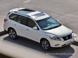 nissan pathfinder hybrid price 2015 nissan pathfinder hybrid in the uae u2013 drive arabia