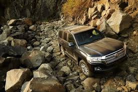 toyota land cruiser gets more tech and an 8 speed auto for 2016