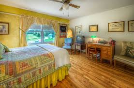 Mountain Comfort Bed And Breakfast Blue Mountain Mist In Sevierville Tennessee B U0026b Rental