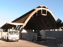 capannone usato il capannone nervi col camioncino usato dal comune per i prelievi