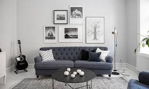 7 tips for arranging your sofa cushions elle decoration