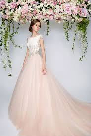 rental wedding dresses best 25 rental wedding dresses ideas on wedding gown
