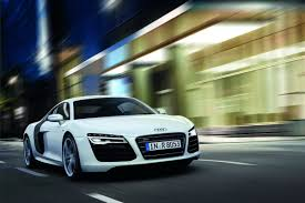 Audi R8 Green - audi reveals 2013 r8 facelift debuts new 7 speed s tronic and