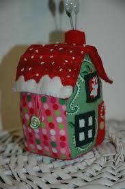 mybearpaw little house pincushion tutorial