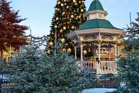 visit the disneyland town square winter wonderland