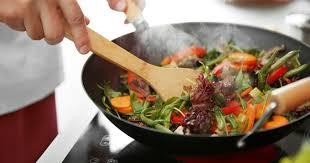 comment cuisiner au wok la cuisson au wok comment ça marche