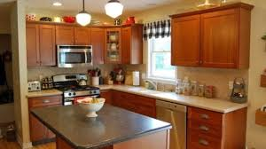 paint colors for kitchen cabinets and walls maple kitchen cabinets