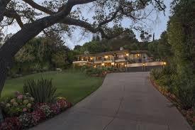 Kris Jenner Backyard Kris Jenner U0027s U0027keeping Up With The Kardashians U0027 Tv House Is For