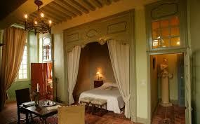 chambre au chateau château de villiers des 16 17 et 18ème siècles doté de 2 vastes