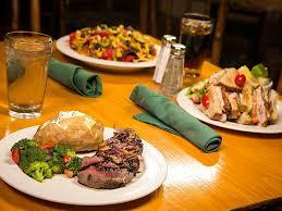 Rock Gardens Green Bay Wi by Restaurants Green Bay Dining Tundra Lodge Resort