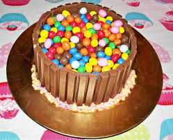 decoration cupcake anniversaire tuto gâteau kit kat m u0026m u0027s facile et rapide youtube