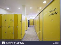 Umkleideraum Closets Cubicle Detail Fuzziness Foyerbath Swimming - Family changing room