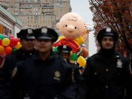 thanksgiving day parade celebrated amid heightened security abc news
